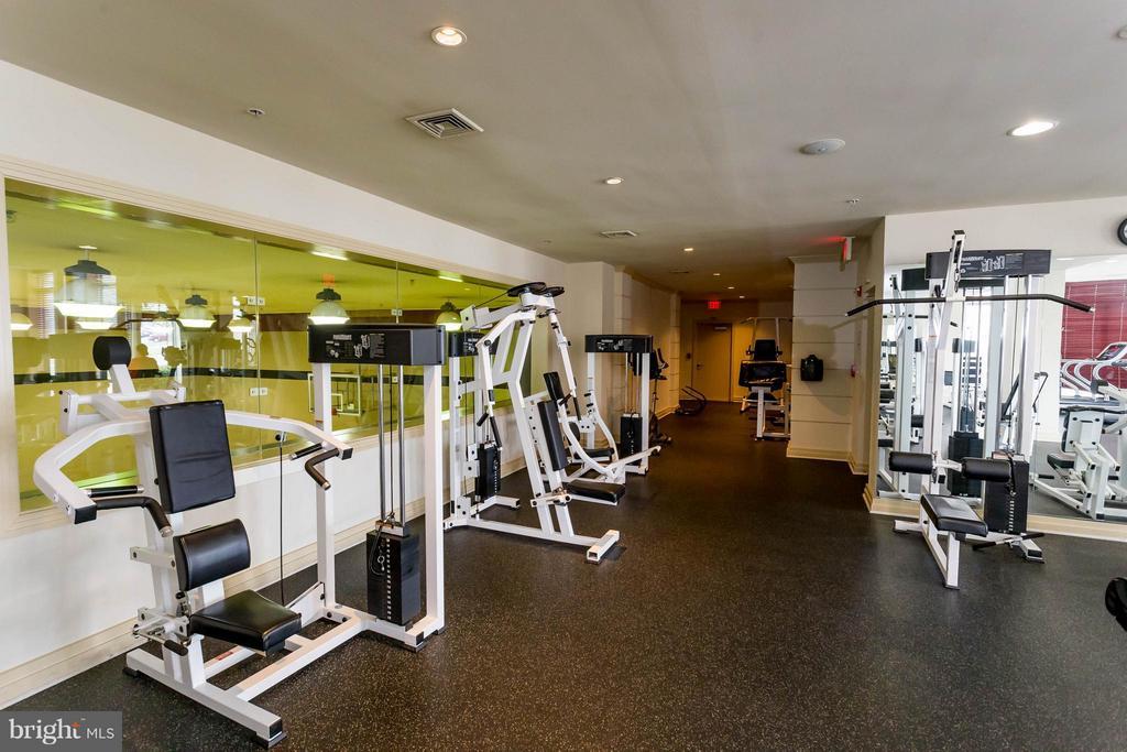 Resident only fitness room - 9480 VIRGINIA CENTER BLVD #221, VIENNA