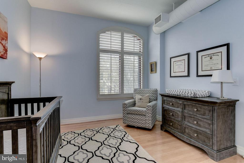2ND MASTER BEDROOM - LIGHT, BRIGHT, & AIRY! - 1201 GARFIELD ST N #216, ARLINGTON
