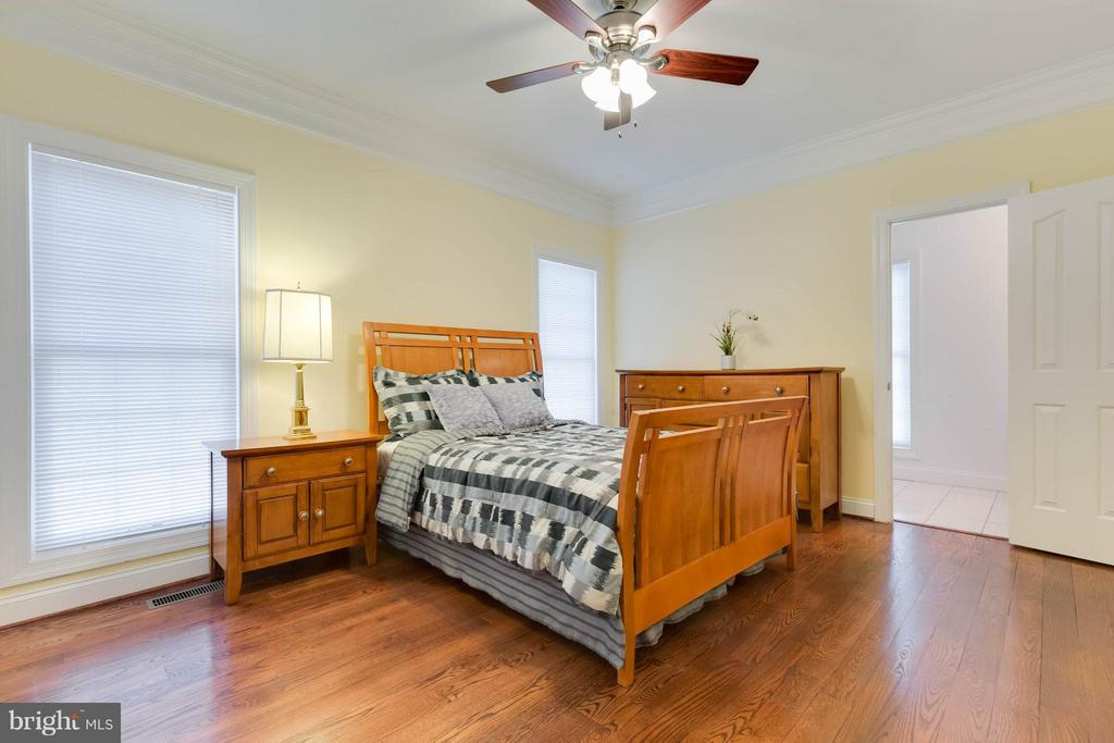 2nd Bedroom on the Main Level - 5521 CLIFTON RD, CLIFTON