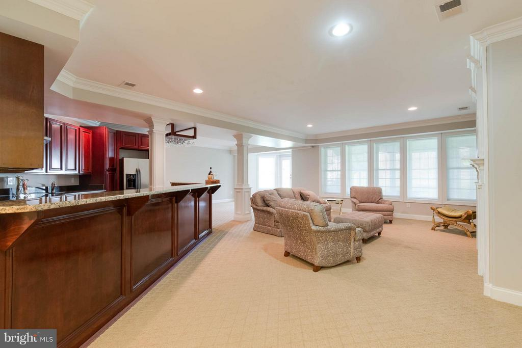 Walkout Basement with Custom Bar - 5521 CLIFTON RD, CLIFTON