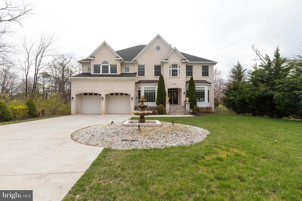 Custom Built Home in Sought After Clifton - 5521 CLIFTON RD, CLIFTON