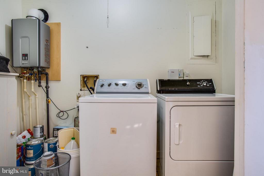 Laundry Room and Tankless water heater - 6 WESTWOOD DR, FREDERICKSBURG