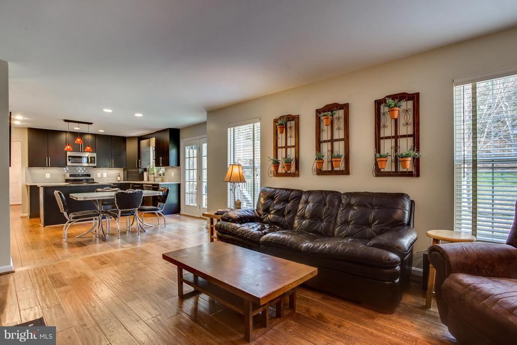 Family Room Off Kitchen - 25 BLUE SPRUCE CIR, STAFFORD