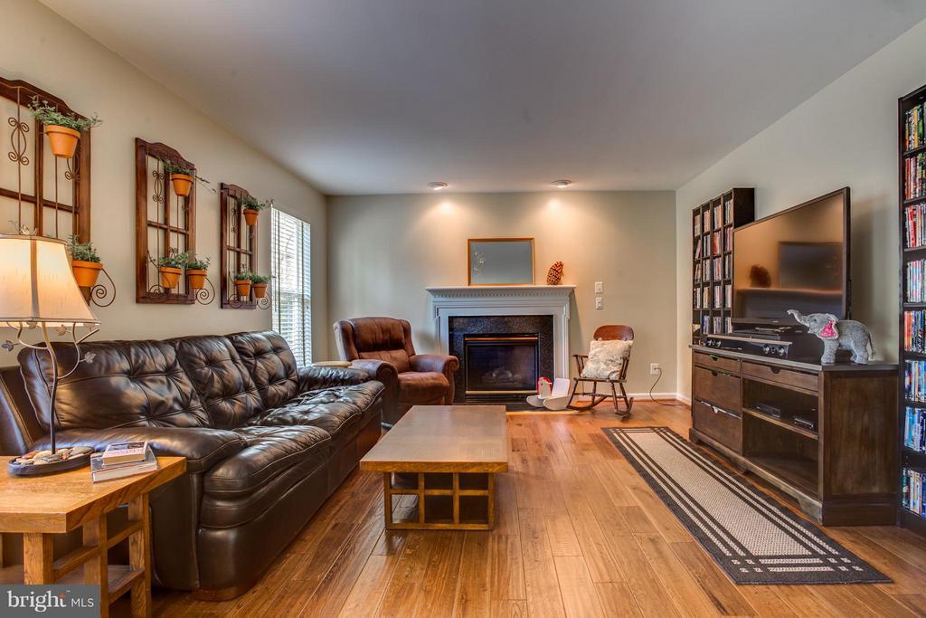 Family Room w/ Gas Fireplace - 25 BLUE SPRUCE CIR, STAFFORD