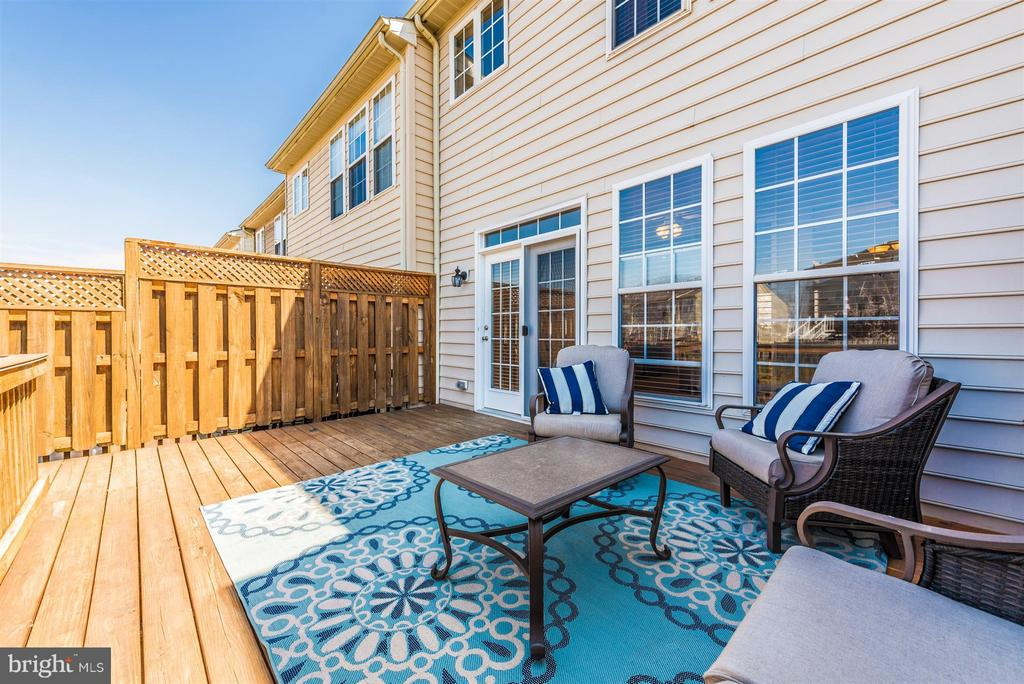 Deck leads to patio. - 5802 WHITEROSE WAY, NEW MARKET