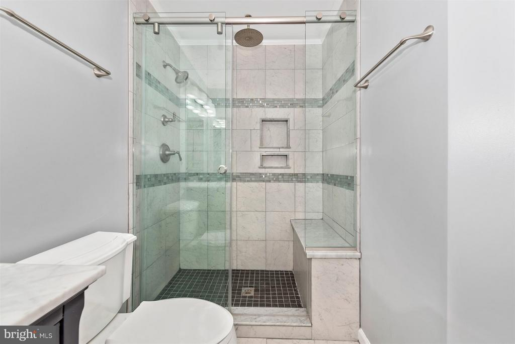 Completely remodeled spa style bathroom. - 5802 WHITEROSE WAY, NEW MARKET