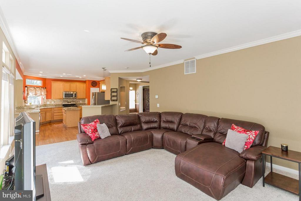 Family Room - 5632 EPPES ISLAND PL, MANASSAS