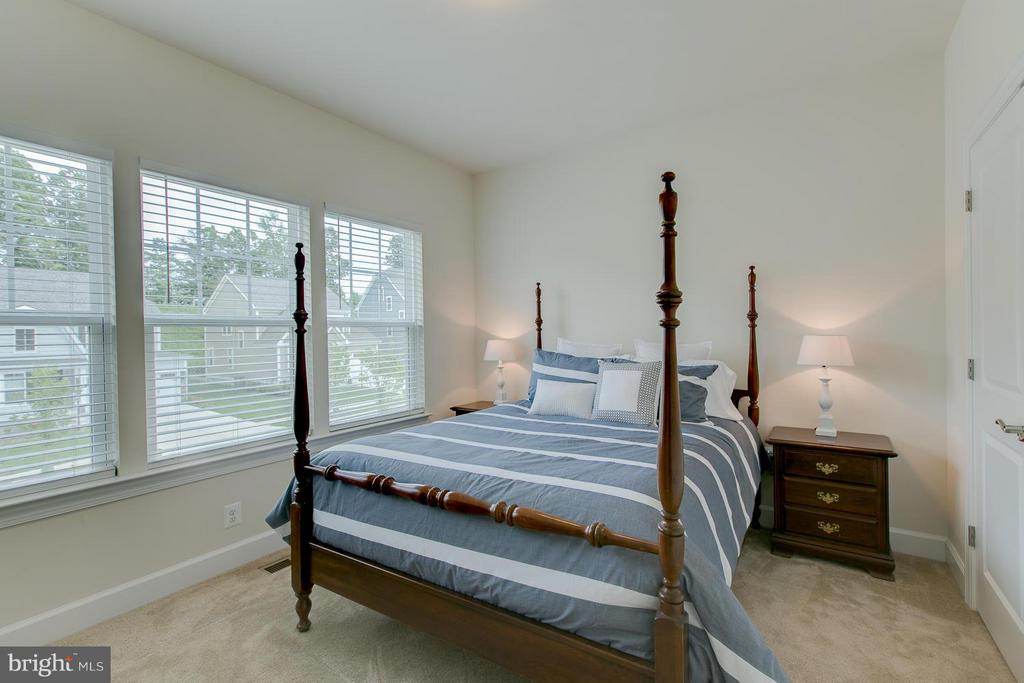 Bedroom with dbl reach in closet - 397 PEAR BLOSSOM RD, STAFFORD