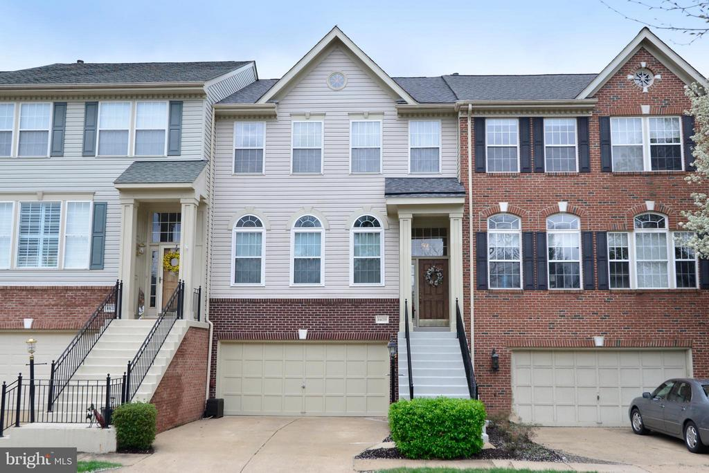 Welcome to your new home! - 44019 LORDS VALLEY TER, ASHBURN