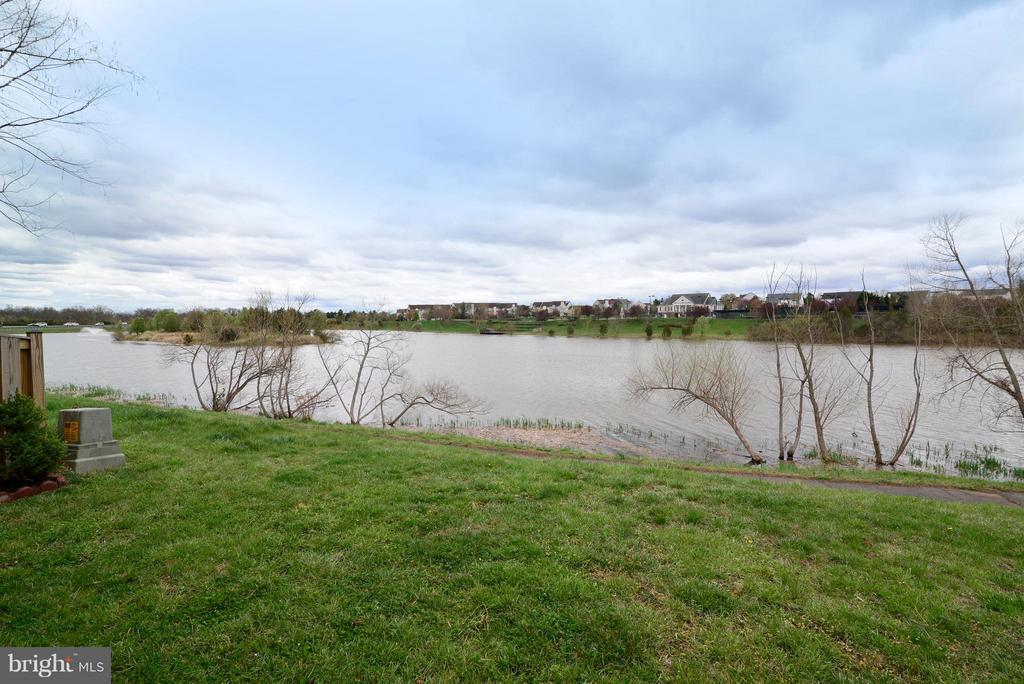 Fishing, kayaking and canoeing allowed! - 44019 LORDS VALLEY TER, ASHBURN