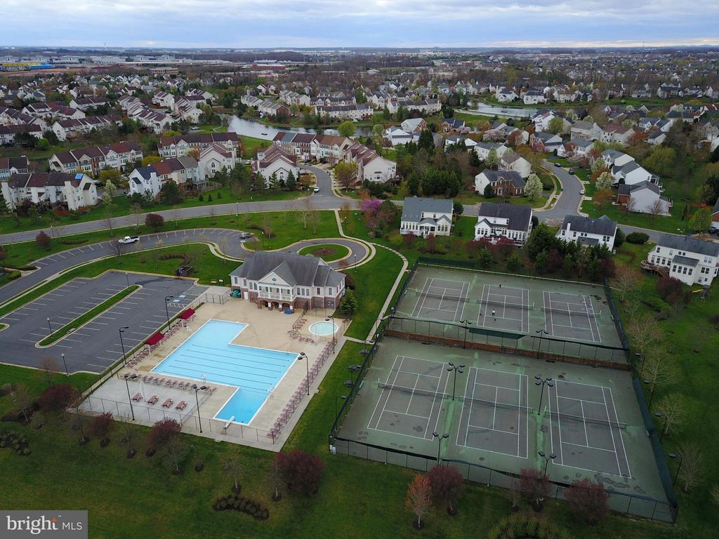 Community facilities are just across the lake! - 44019 LORDS VALLEY TER, ASHBURN