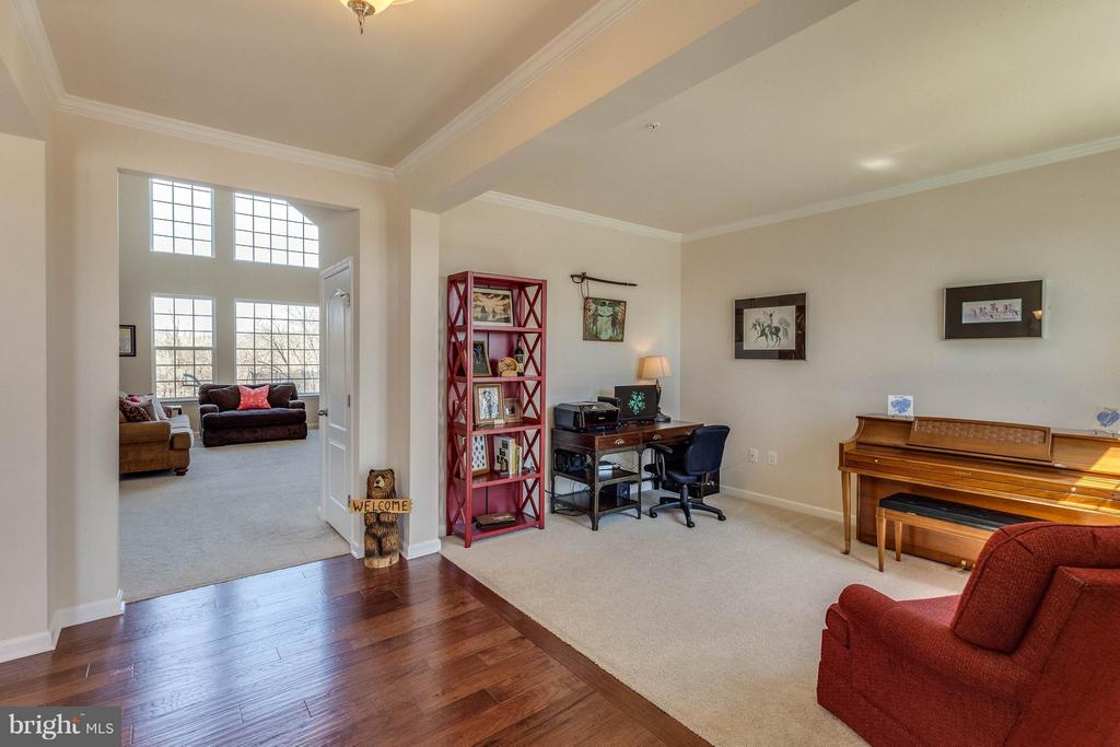 Office/Playroom/Formal Living Room-Your Choice - 1018 HUNTERS KNL, MYERSVILLE