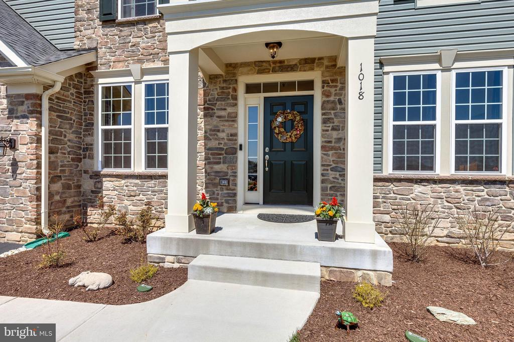 Front portico w transom sidelight front door - 1018 HUNTERS KNL, MYERSVILLE