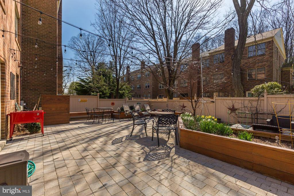 Private Patio (3 of 3) - 5832 EDSON LN, ROCKVILLE