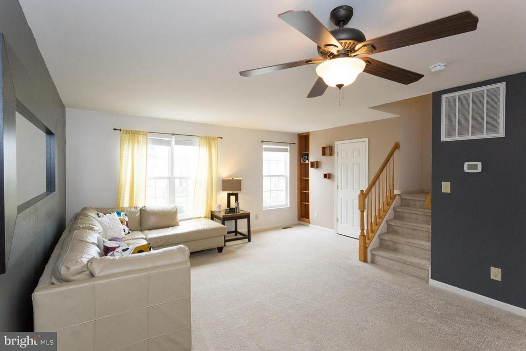 Living Room - 10035 GANDER CT, FREDERICKSBURG