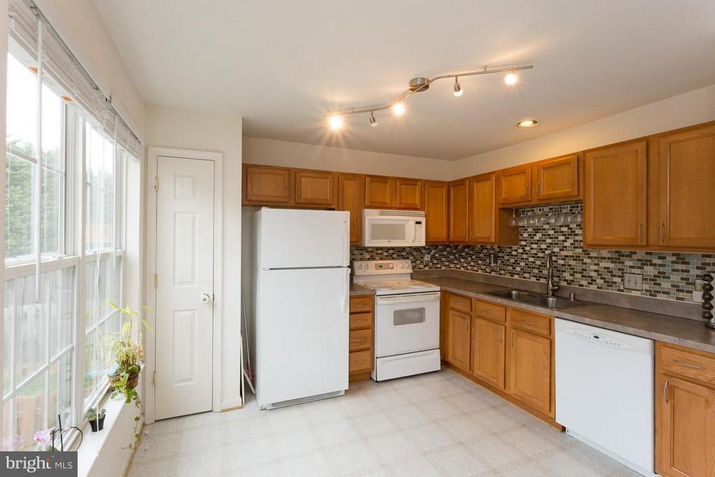 Kitchen - 10035 GANDER CT, FREDERICKSBURG