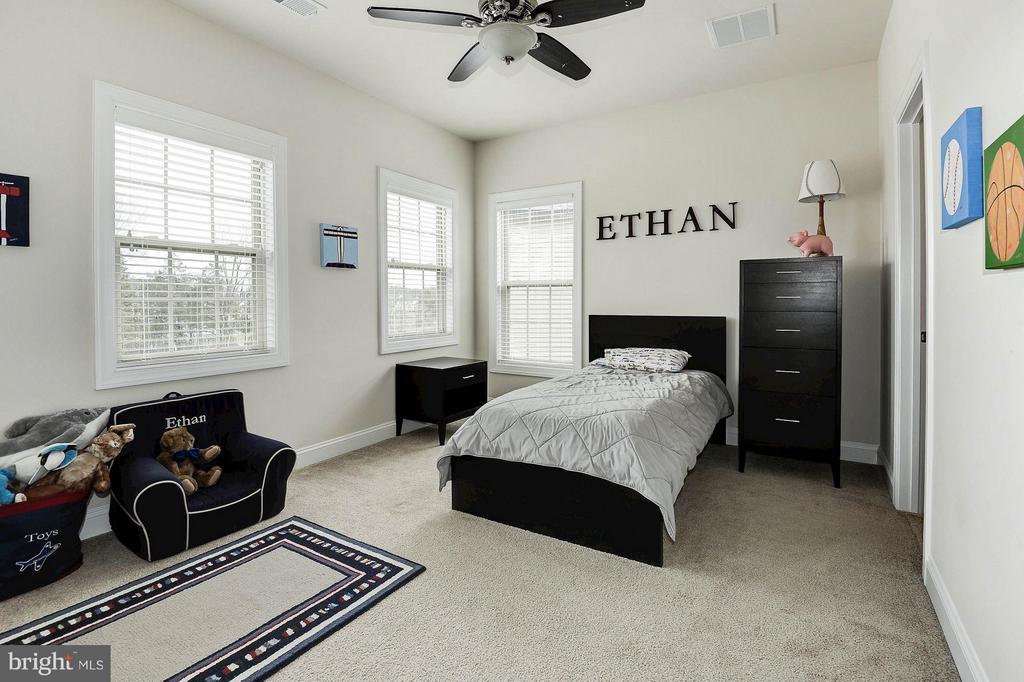 Four bedrooms upstairs - 42709 ASHBURN TILLETT DR, BROADLANDS