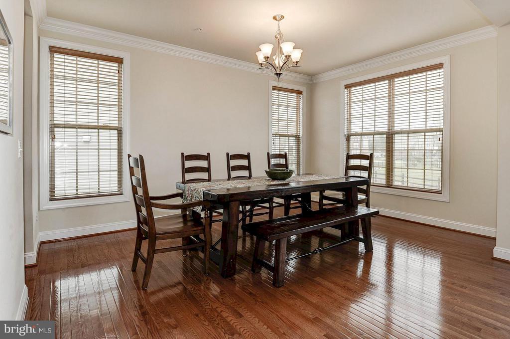 Large dining room - 42709 ASHBURN TILLETT DR, BROADLANDS