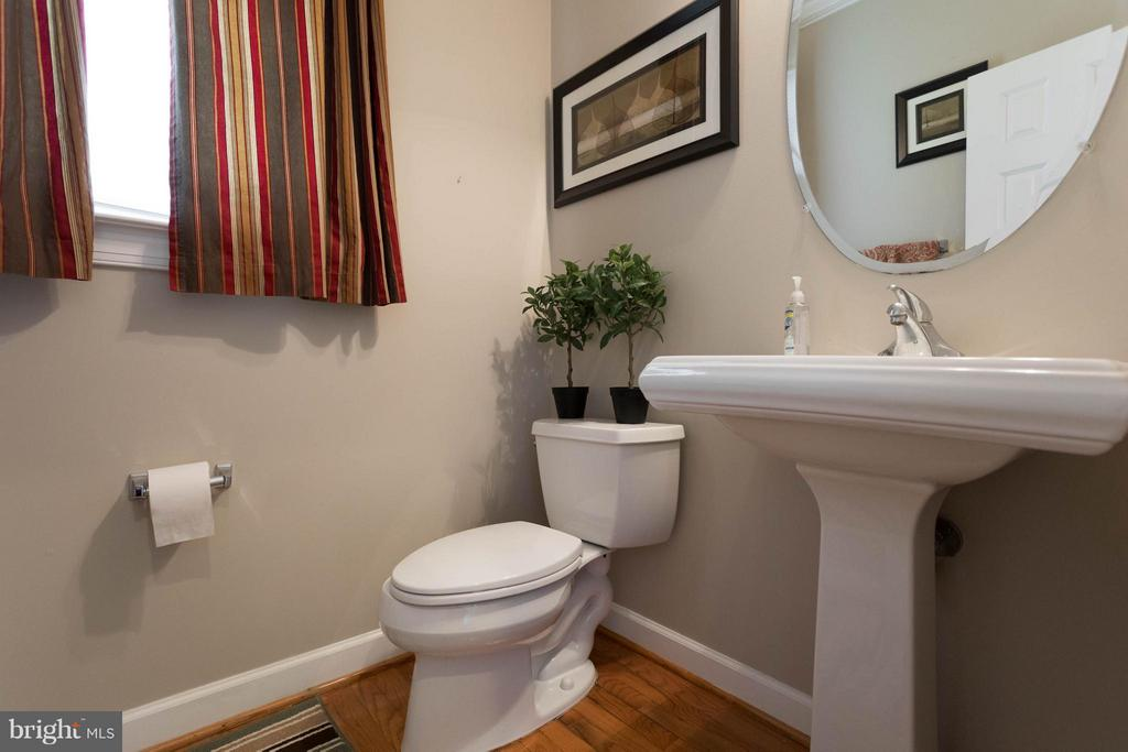 Half Bath - 18621 KERILL RD, TRIANGLE