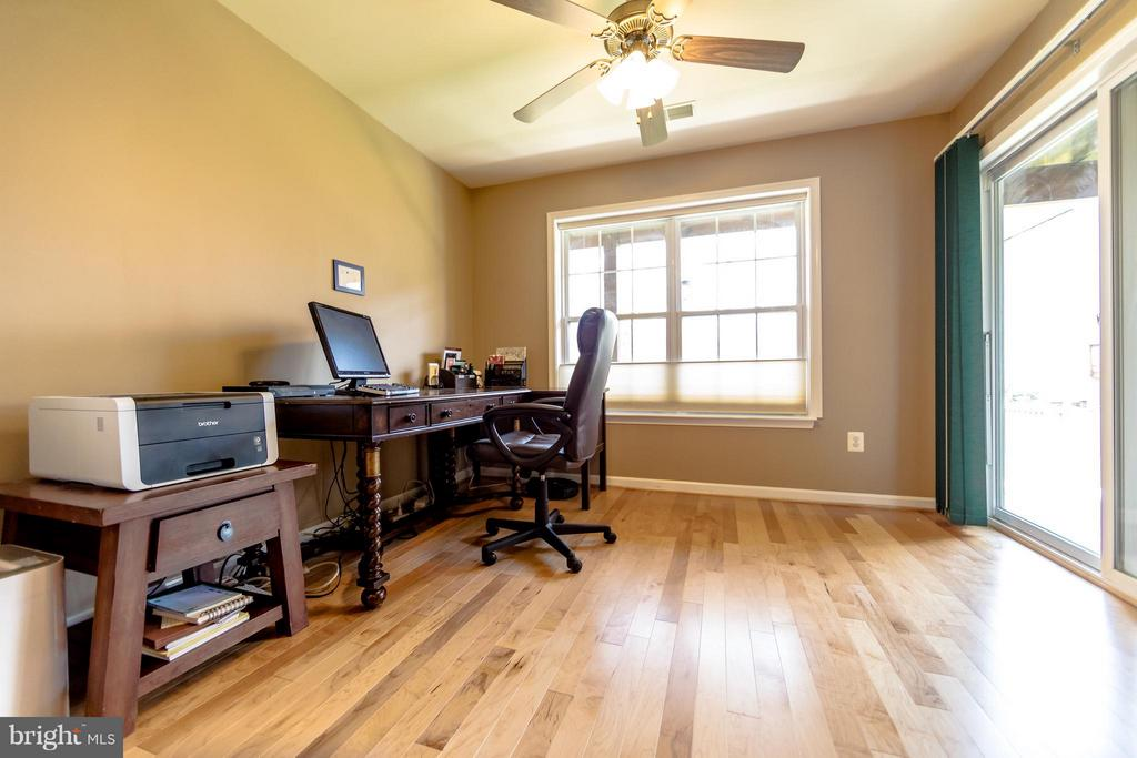 Office space - 6655 SCOTTSWOOD ST, ALEXANDRIA