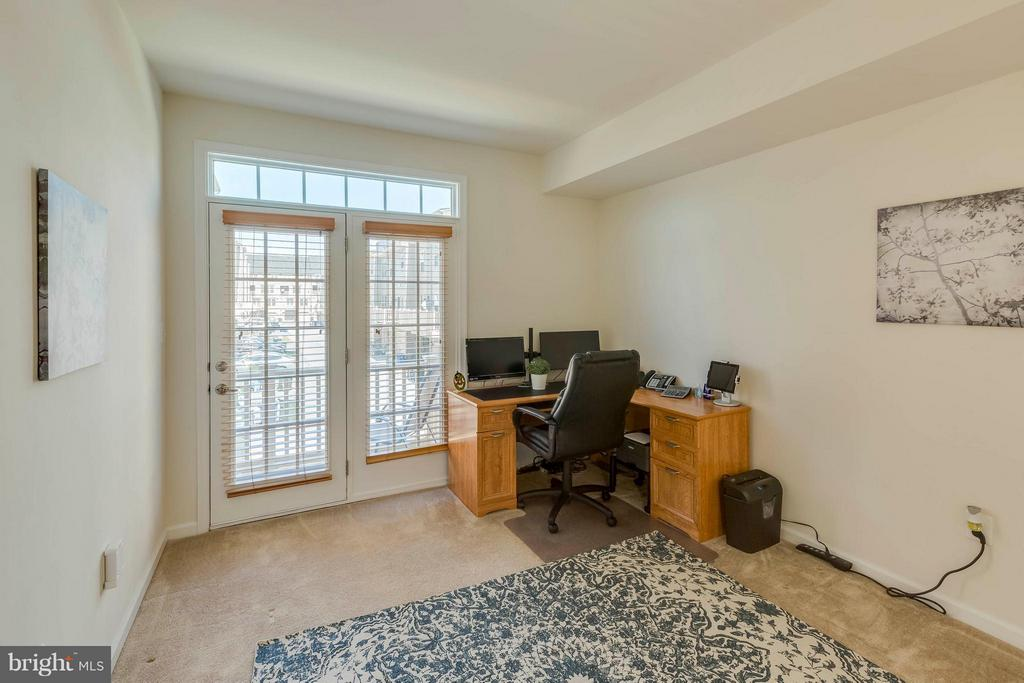 2nd guest BR w french doors, transom to balcony - 5210 STREAM BANK LN #301G, GREENBELT