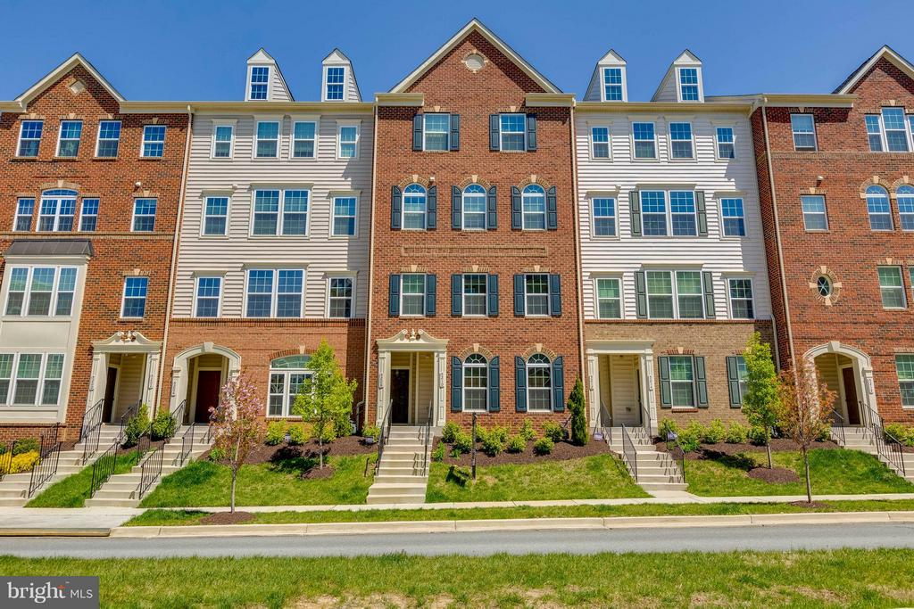 Located near the front of community - 5210 STREAM BANK LN #301G, GREENBELT