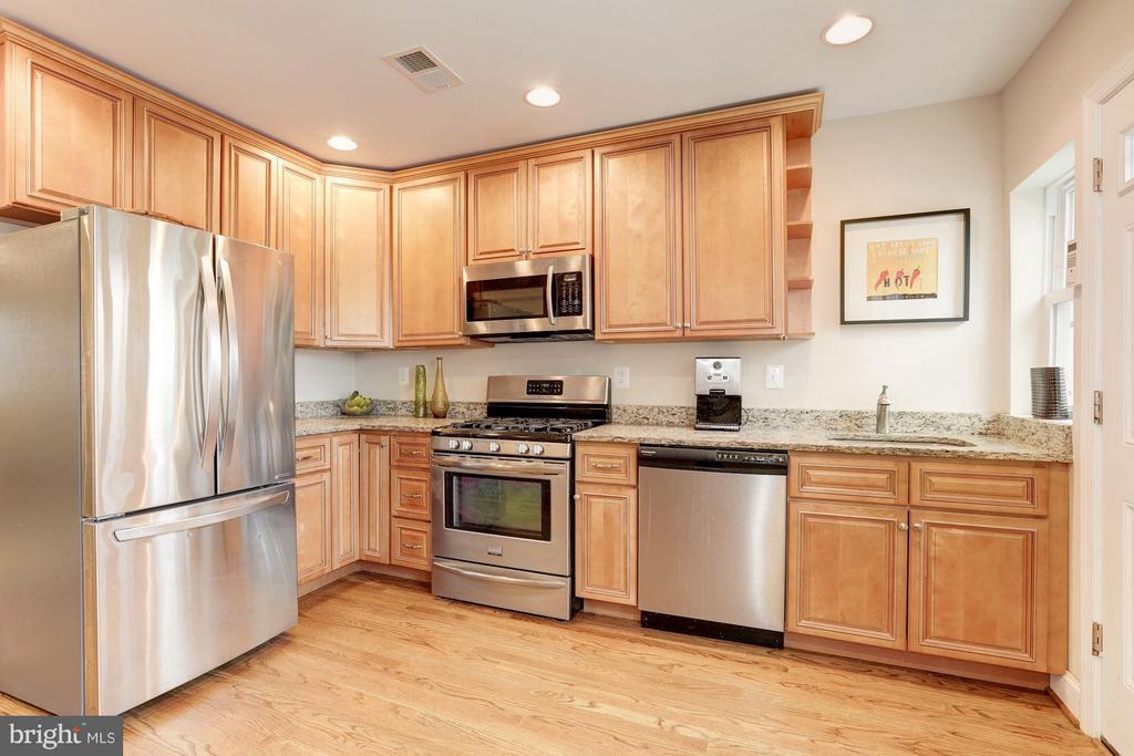 Kitchen - 4413 13TH ST NE, WASHINGTON