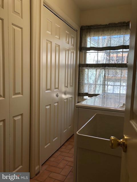 Spacious laundry room with storage closets - 602 GOLD VALLEY RD, LOCUST GROVE