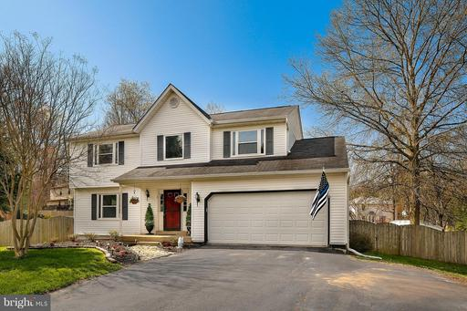 8 MANTLE CT