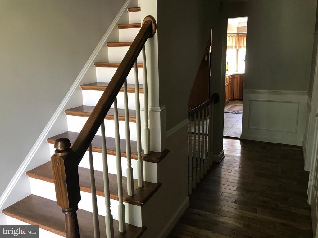 Hardwood floors throughout - 27 LARKWOOD CT, STAFFORD
