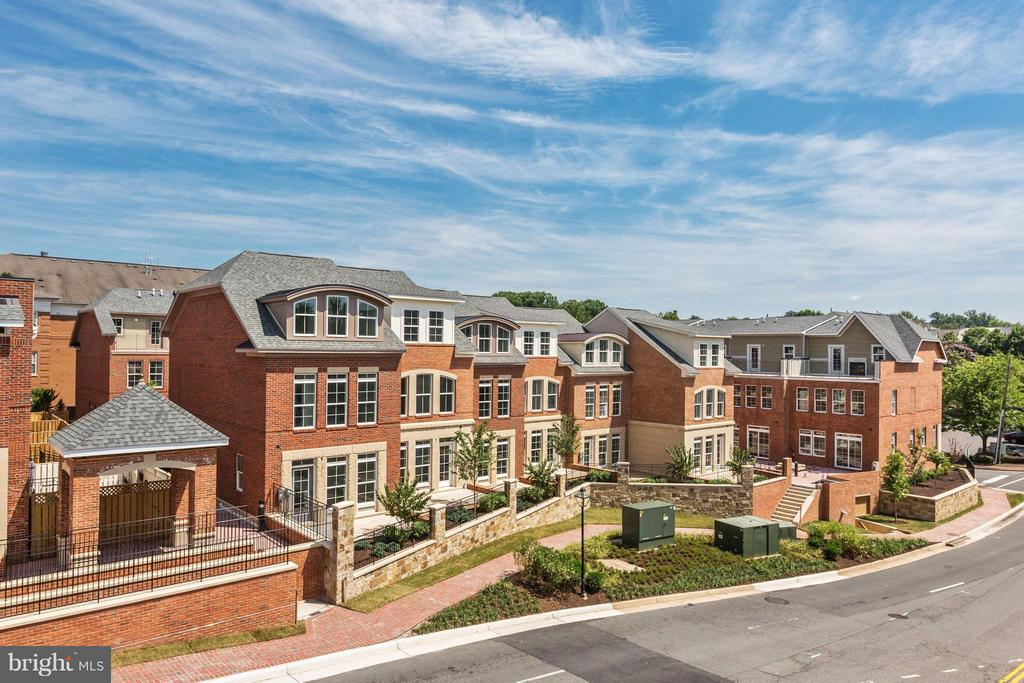 4003  EAST STREET, Fairfax, Virginia