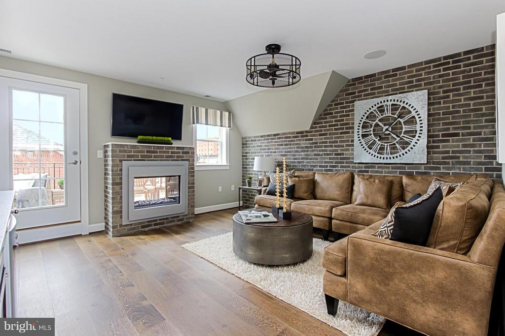 Loft Level Family Room with 2 Sided Fireplace -opt - 4029 EAST ST, FAIRFAX