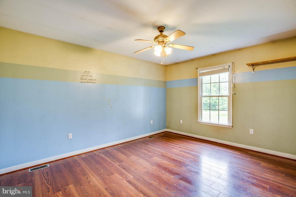 Family Room - 14283 RIVER RD S, WOODFORD