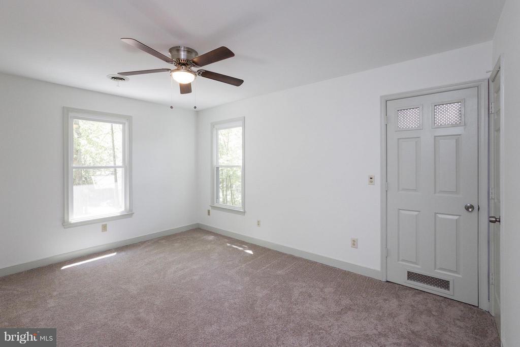 Bedroom (Master), door to bonus storage - 103 FLINTLOCK CT, LOCUST GROVE