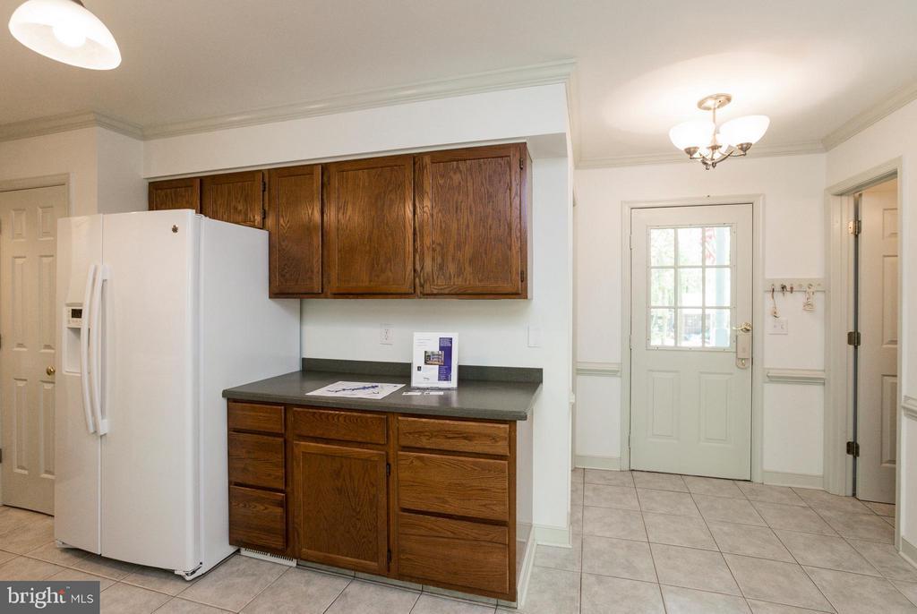 Back Hallway off Kitchen - 103 FLINTLOCK CT, LOCUST GROVE