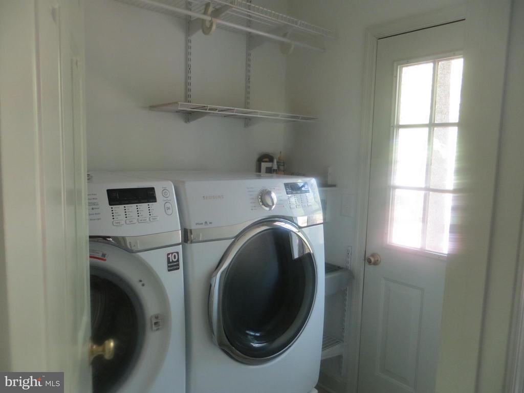 Separate Laundry Rm - 103 FLINTLOCK CT, LOCUST GROVE