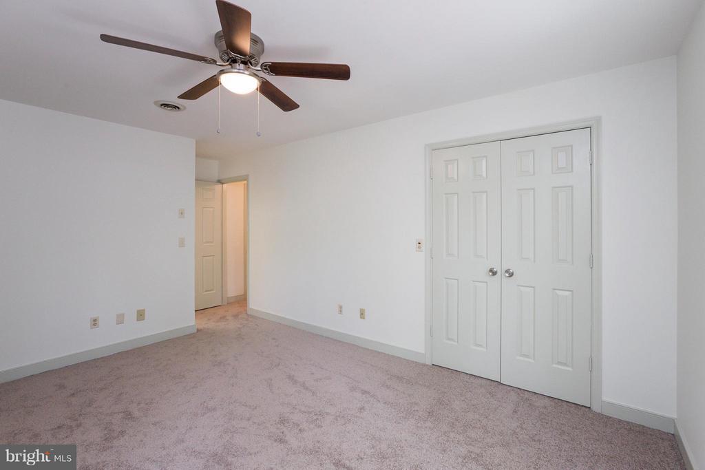 Bedroom (Master) - 103 FLINTLOCK CT, LOCUST GROVE