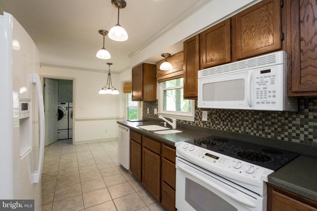 Kitchen - 103 FLINTLOCK CT, LOCUST GROVE