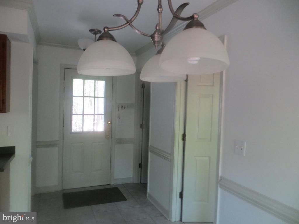 Back Hallway) - 103 FLINTLOCK CT, LOCUST GROVE
