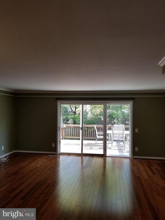 Living Room - 347 BARNFIELD SQ NE, LEESBURG
