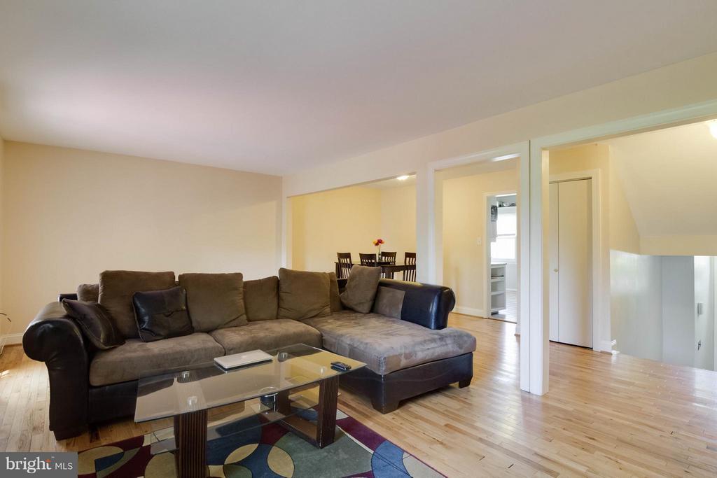 Living Room - 12716 HARBORVIEW CT, WOODBRIDGE