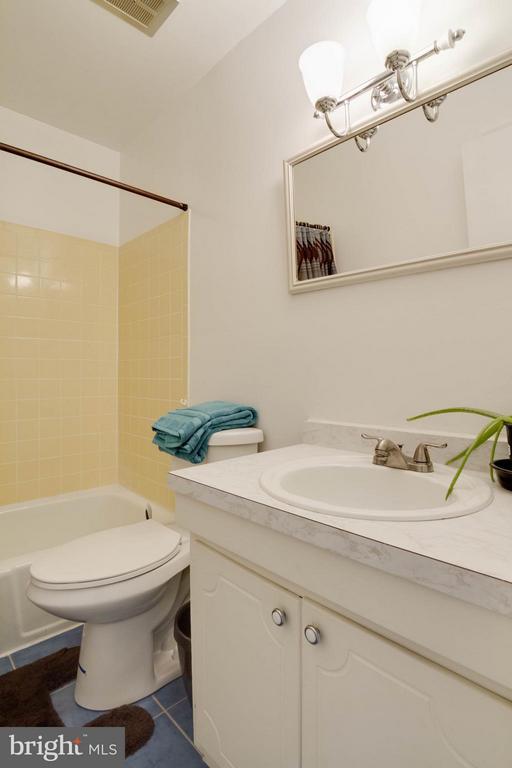 Bath - 12716 HARBORVIEW CT, WOODBRIDGE