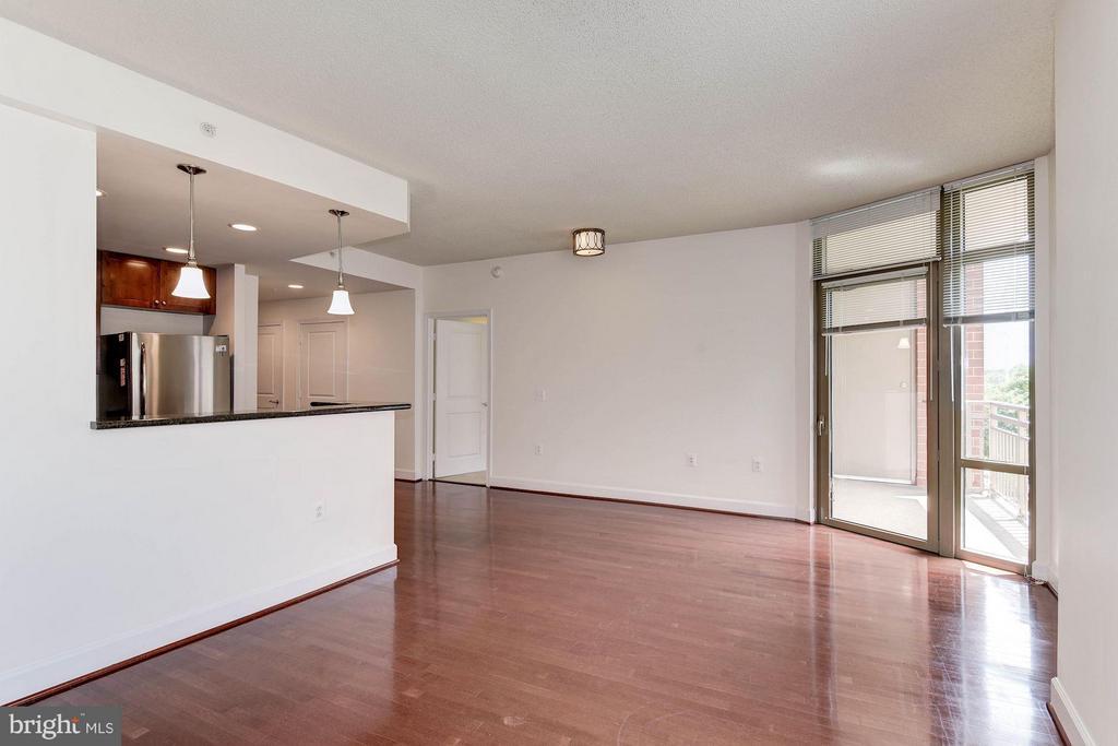 Living Room - 3600 S GLEBE RD S #428W, ARLINGTON