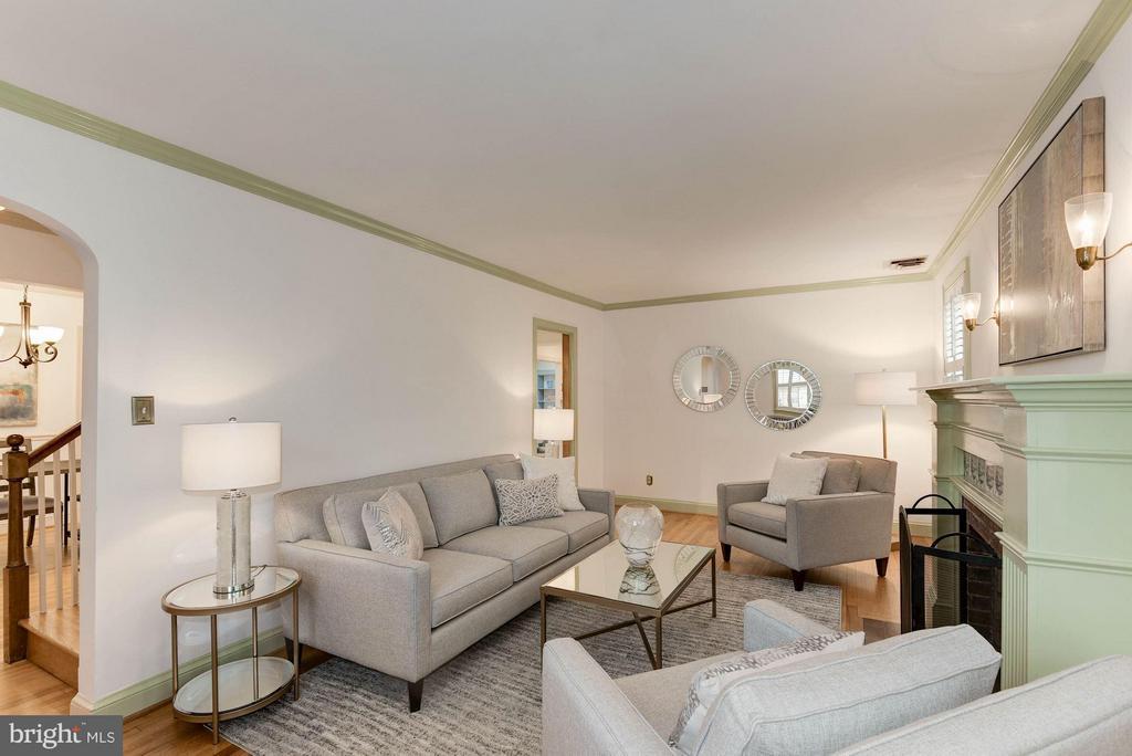 Living Room - 2524 FLORIDA ST N, ARLINGTON
