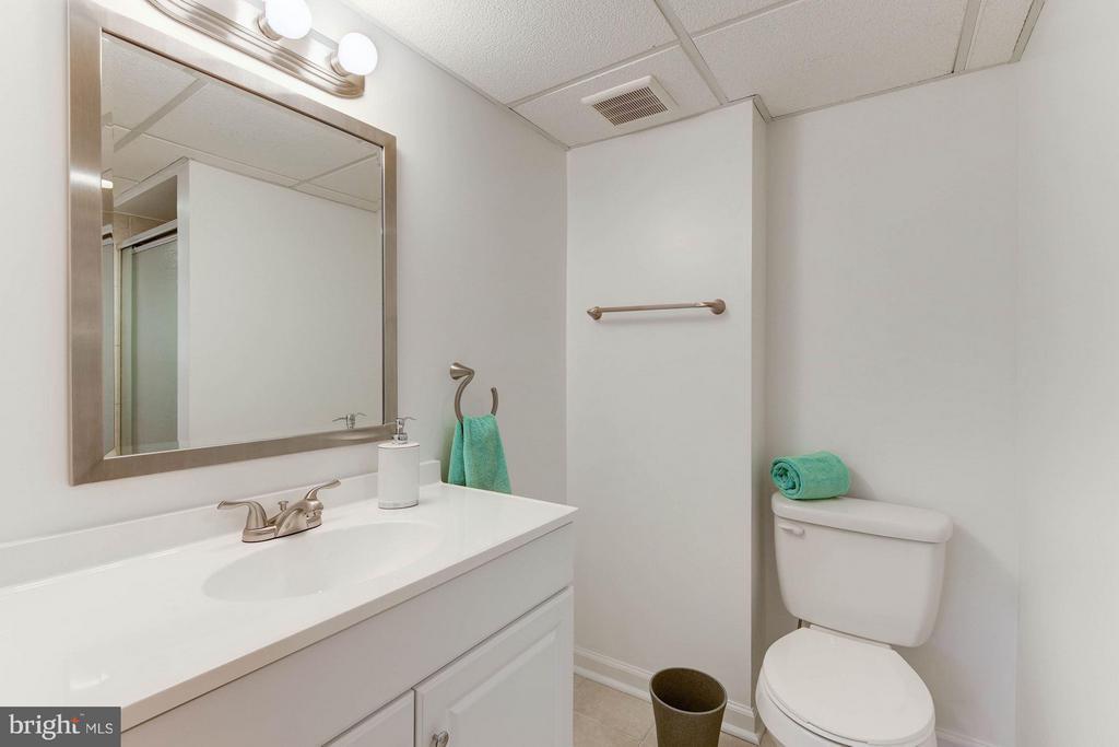 Full Bath in Basement - 2524 FLORIDA ST N, ARLINGTON