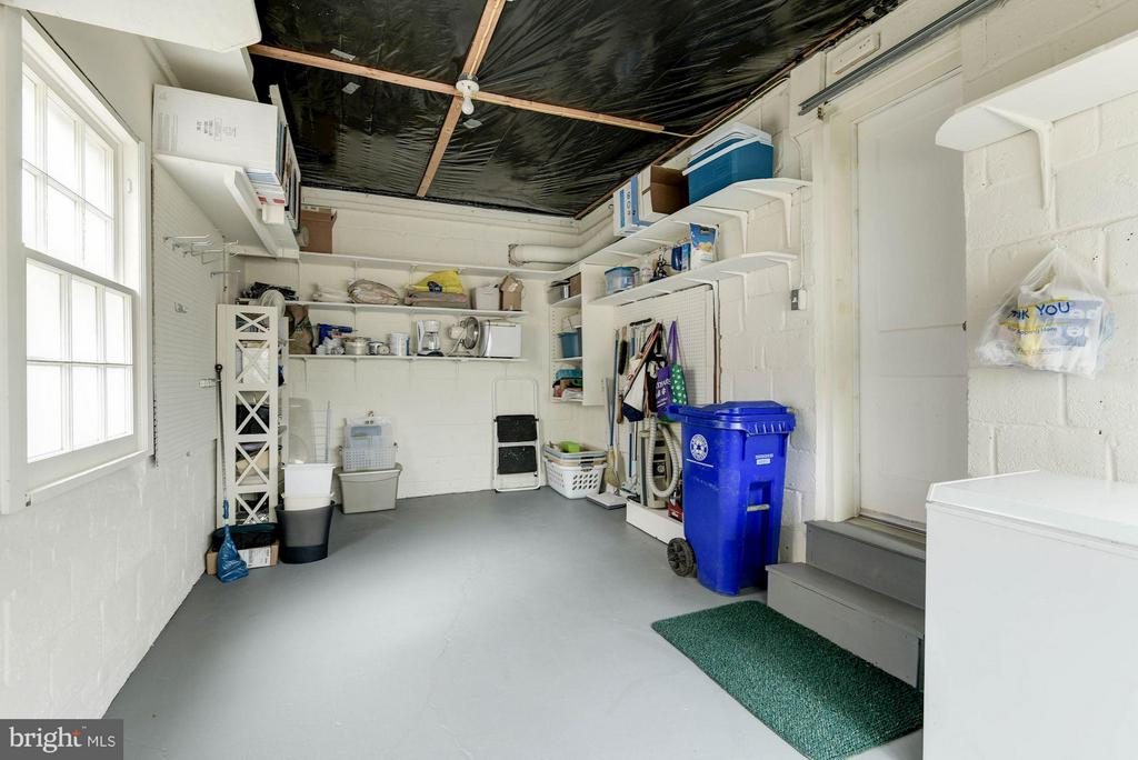 Garage - 2524 FLORIDA ST N, ARLINGTON