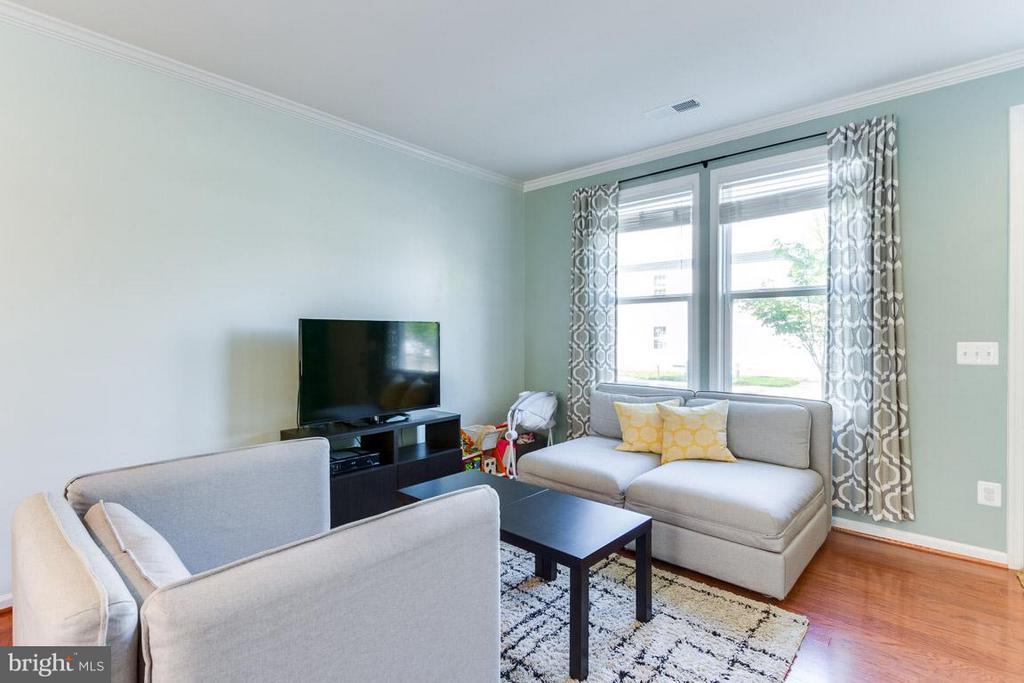 Living Room - 9415 ZEBEDEE ST, MANASSAS