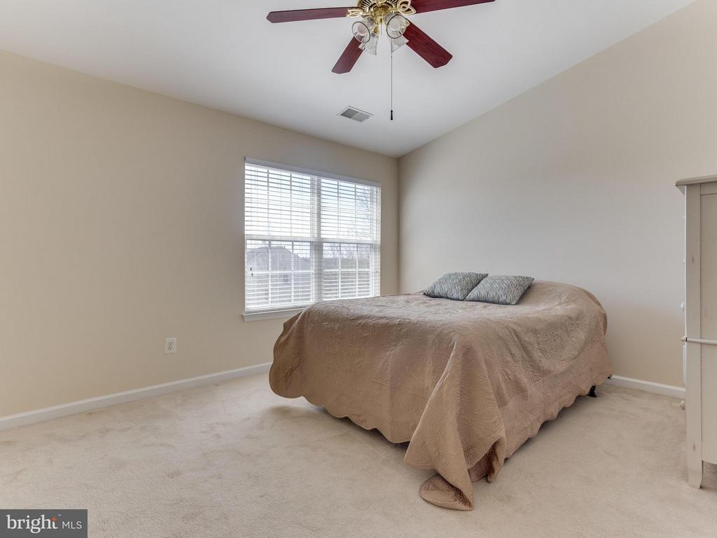 Bedroom (Master) - 402 SPARKLEBERRY TER NE, LEESBURG