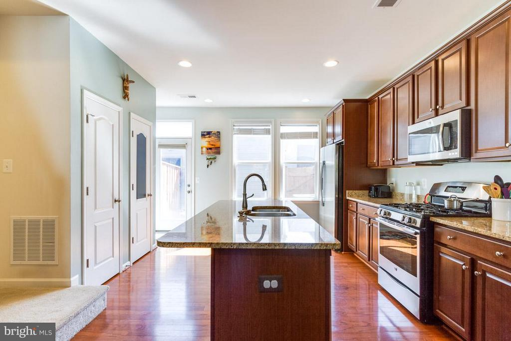 Kitchen - 9415 ZEBEDEE ST, MANASSAS