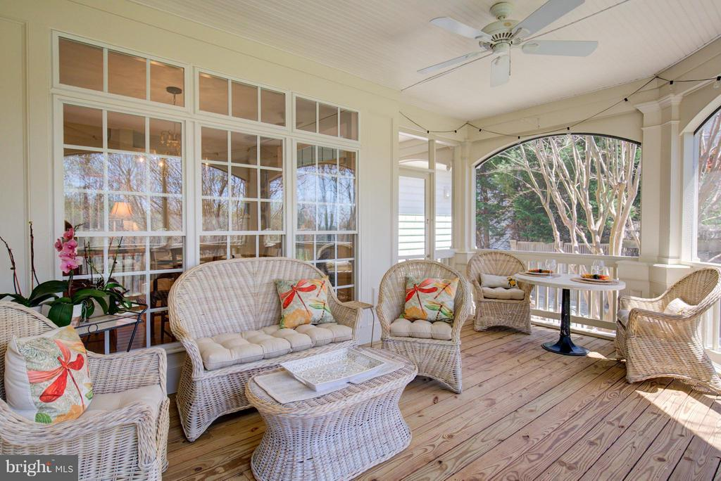 Family Rm extended to outdoor entertainment area - 43531 FIRESTONE PL, LEESBURG